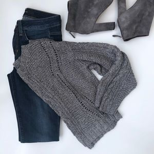 Vince. Cable Crop Sweater in Gray